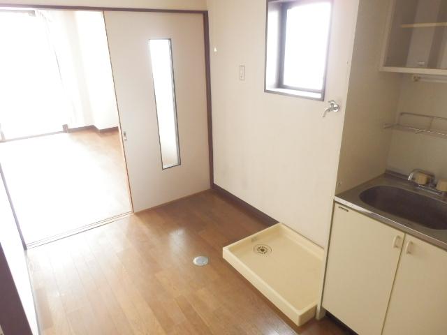マンションブルーホーク 101号室のキッチン