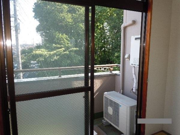 コーポ川崎Ⅲ 303号室のバルコニー