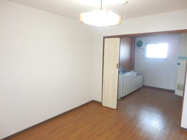 マニヤ・パーク・ハイツ 302号室の居室