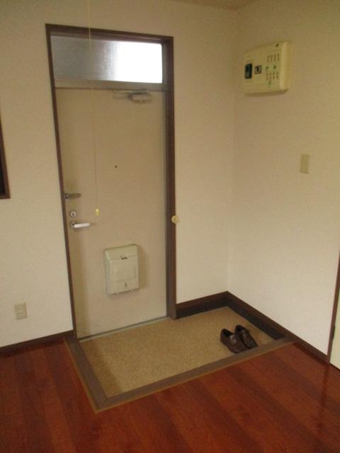 サンドビル2 203号室の玄関
