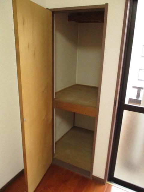 サンドビル2 203号室の収納