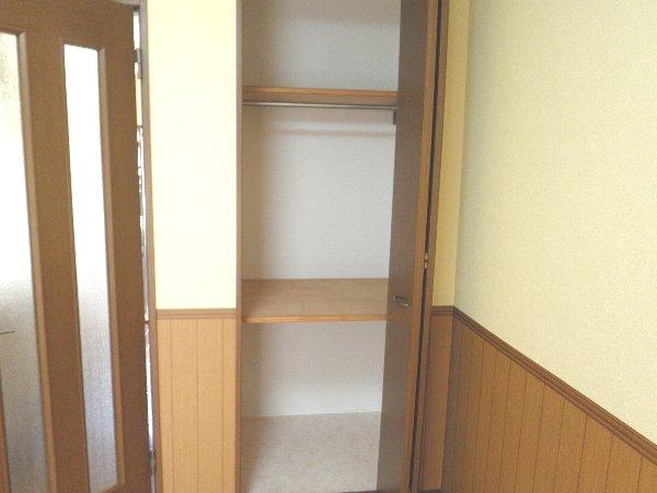 タウンメイツコスモⅡ 112号室の収納