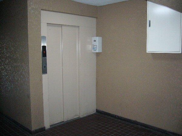 セントラルハイツ 103号室のエントランス
