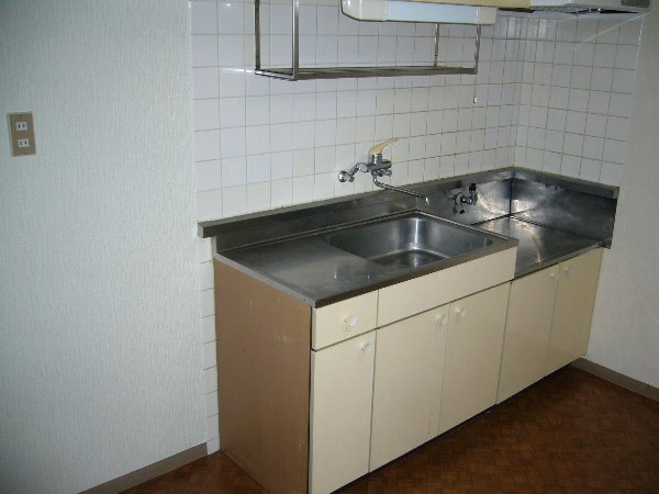 セントラルハイツ 103号室のキッチン