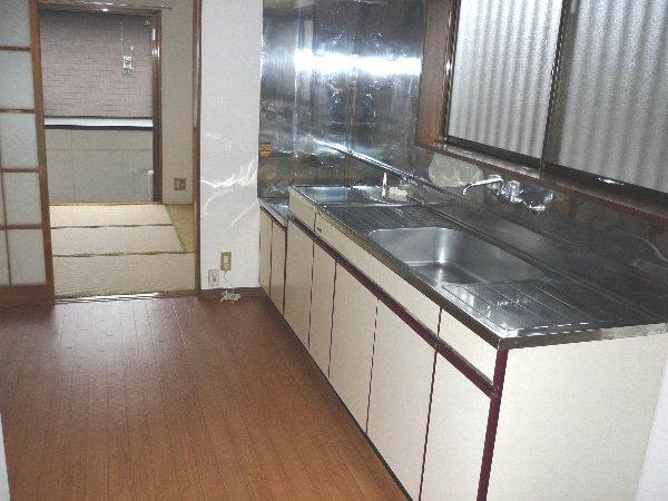 コーポ川俣 103号室のキッチン