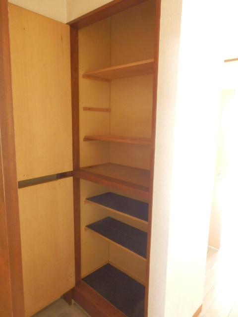 コーポ川俣 202号室の収納