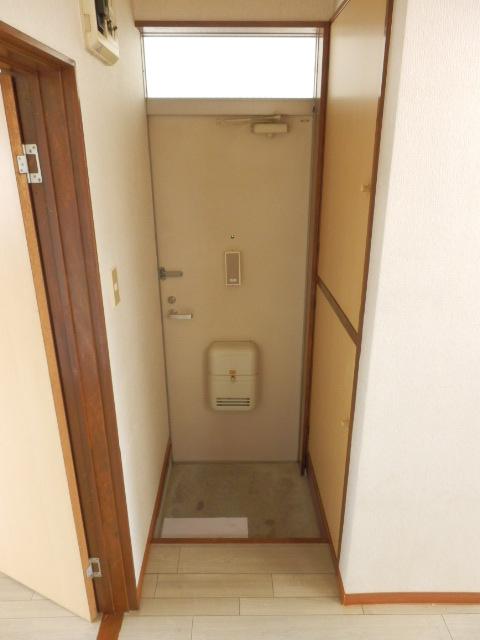 コーポ川俣 202号室の玄関