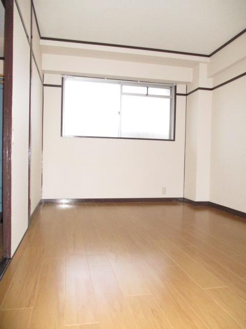 中村ハイツ 303号室の居室