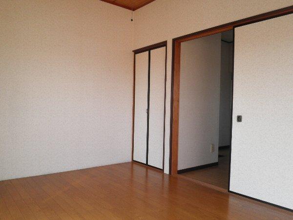 ヘレンハウゼA 201号室のリビング