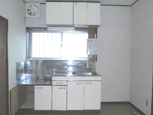 ヘレンハウゼA 201号室のキッチン