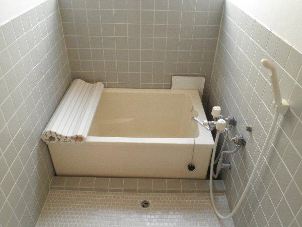 ヘレンハウゼA 201号室の風呂