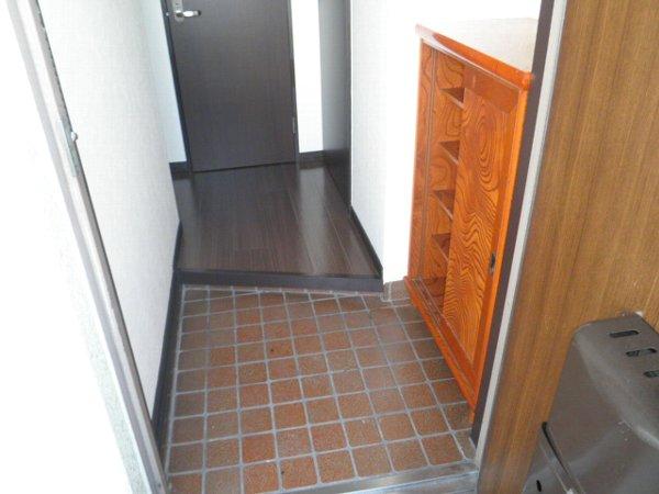 コーポブルースカイ 403号室の玄関