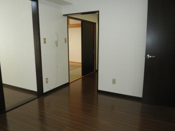 コーポブルースカイ 403号室の居室