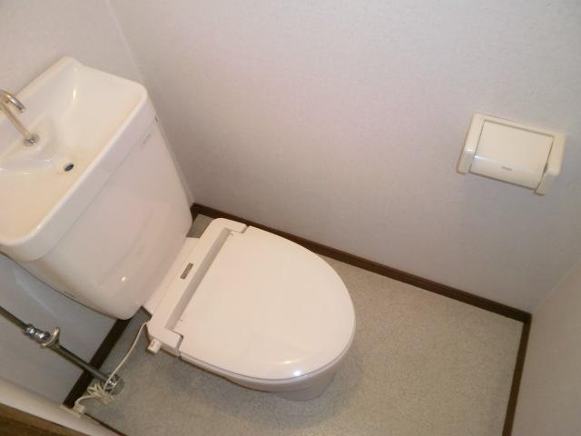 コーポアルタⅢ 205号室のトイレ