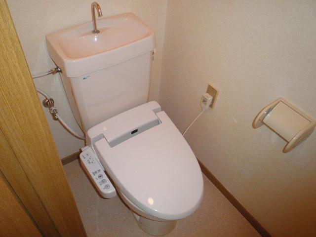 さくらハイツ 201号室のトイレ