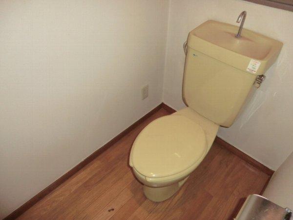Kハイツ 202号室のトイレ