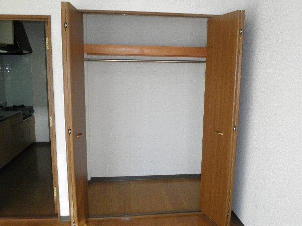 ピュアモールⅢ 202号室の収納