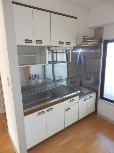 荻原ハイツ 203号室のキッチン