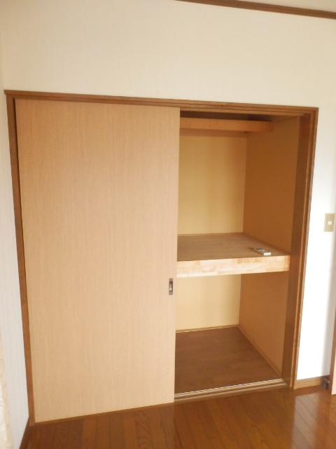 土田コーポ 201号室の収納