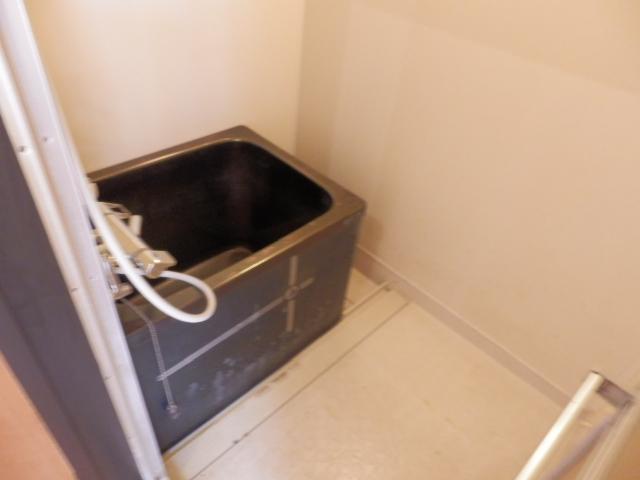 ソーラーみゆき 102号室の風呂