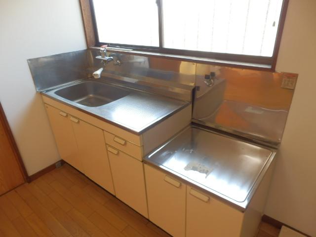 ソーラーみゆき 202号室のキッチン
