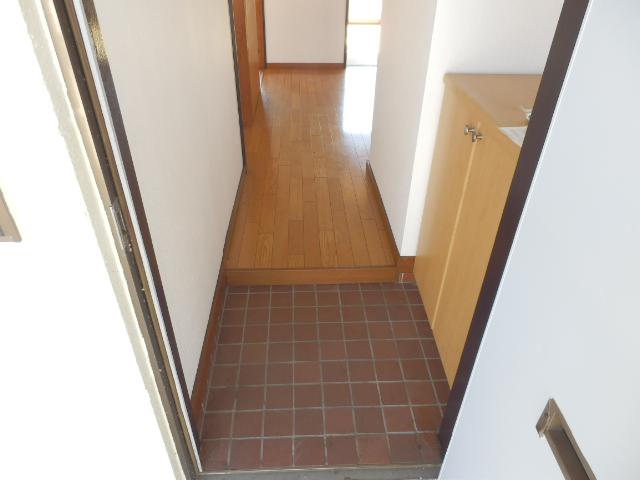 ソーラーみゆき 205号室の玄関