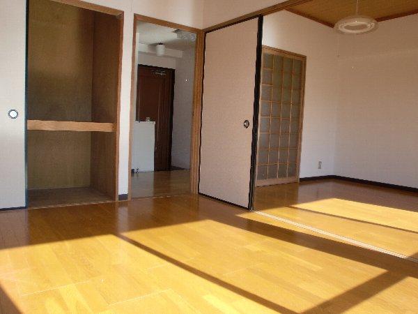 会津コーポ 202号室のリビング