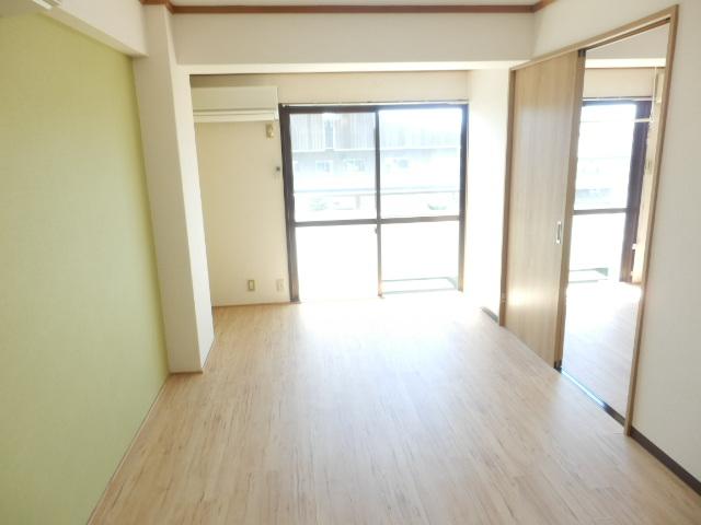 会津コーポ 306号室のリビング