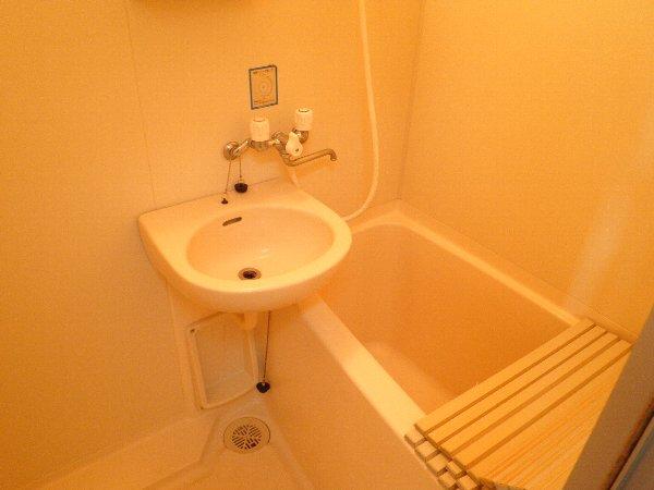 ハイツ伴 101号室の風呂