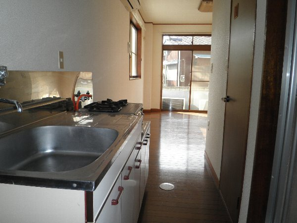 ハイツ伴 101号室のキッチン