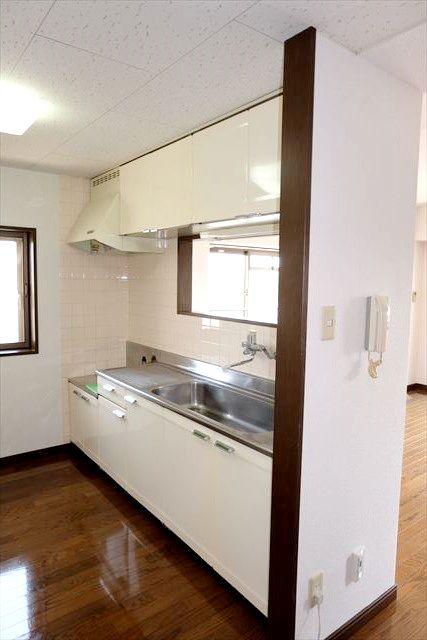 グローバル小山 103号室のキッチン