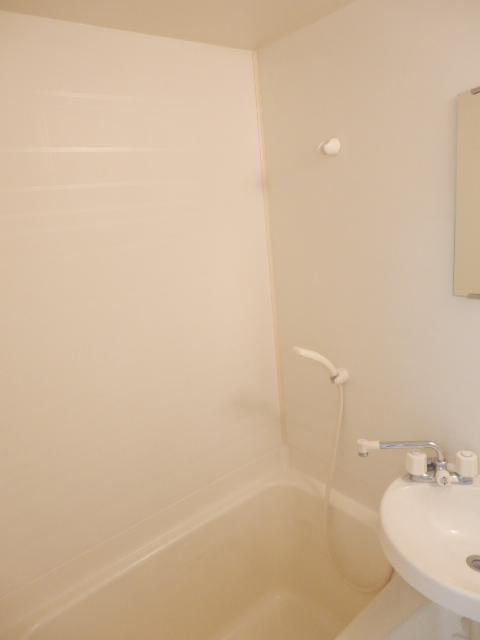 アルファーレジデンス下戸祭A 303号室の風呂