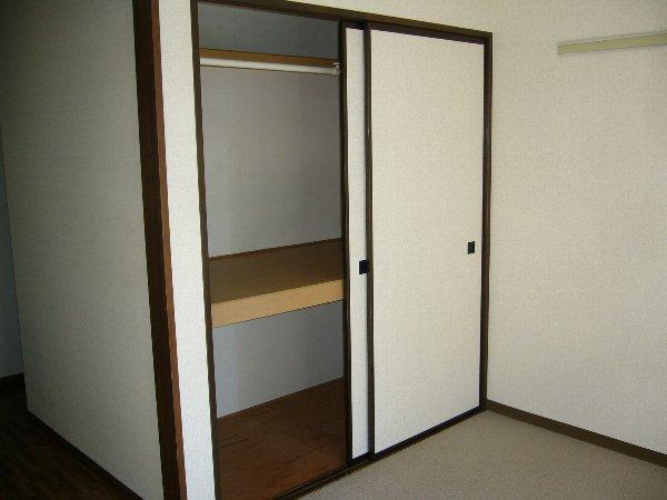 白石コーポ 203号室の収納
