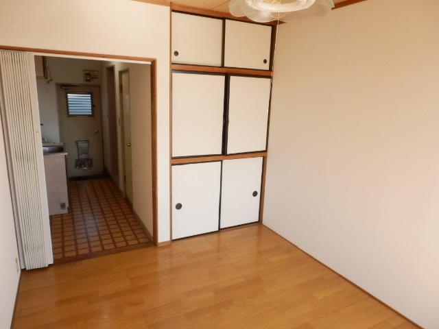 吉沢ハイツ 202号室のリビング