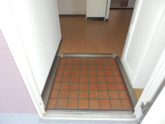 サンシティマガミ 102号室の玄関