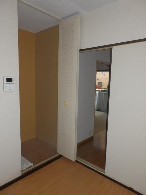サンシティマガミ 102号室の収納