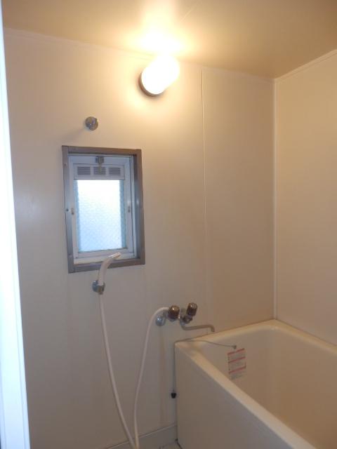 サンシティマガミ 102号室の風呂