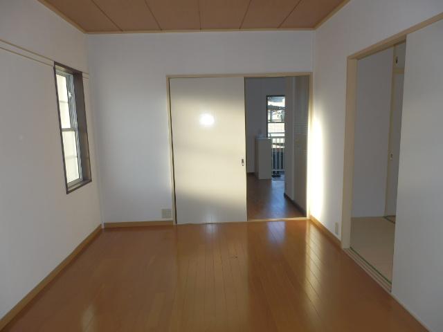 サンシティマガミ 201号室の居室