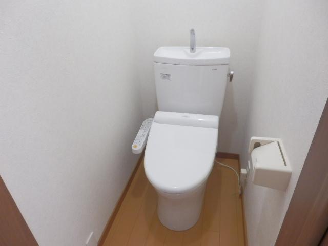駅前ハイツ 301号室のトイレ