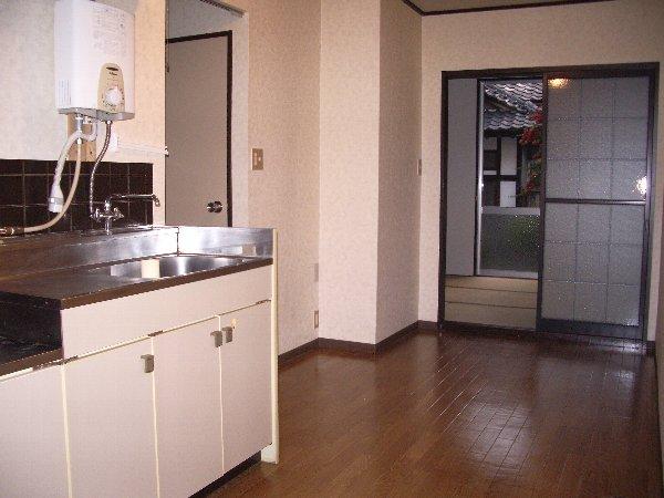 ニシニコーポ 101号室のキッチン