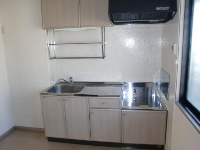 フレンド宝木B 206号室のキッチン