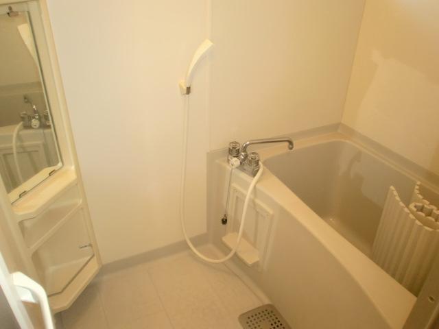 フレンド宝木B 206号室の風呂