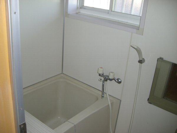 ウィステリアビレッジ 102号室の風呂