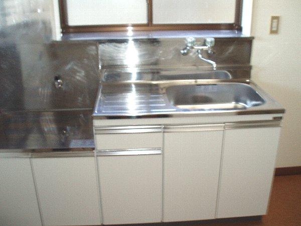 メゾングリーングラス 103号室のキッチン