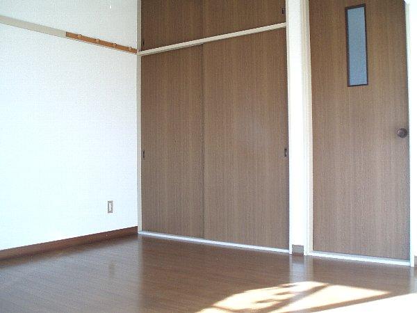 メゾングリーングラス 103号室のリビング