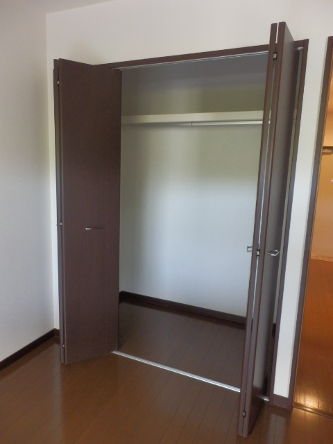モア クルーズ 401号室のキッチン