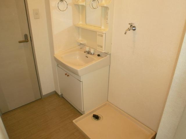 フレンド宝木C 203号室の洗面所