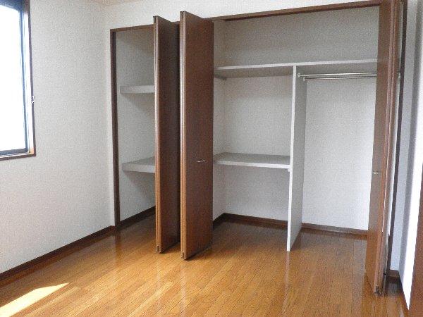 Tグランハウス 202号室の収納