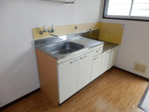 国谷ハイツ 102号室のキッチン