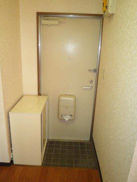 フォレストヒルズ 305号室の玄関